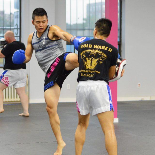Muay Thai Swing Roundhouse Kick